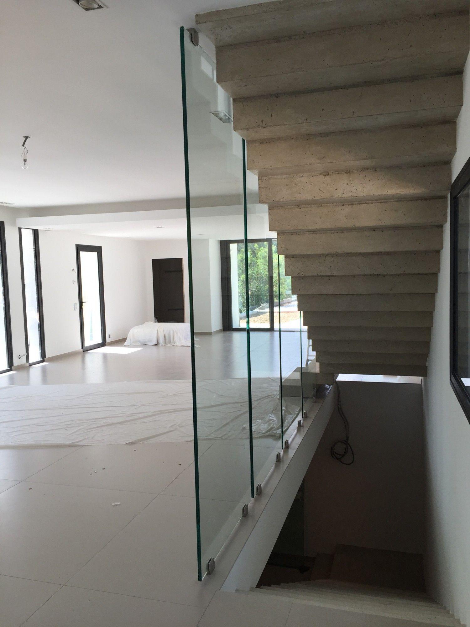 pose de parois de verre devant un escalier marseille alberstore. Black Bedroom Furniture Sets. Home Design Ideas