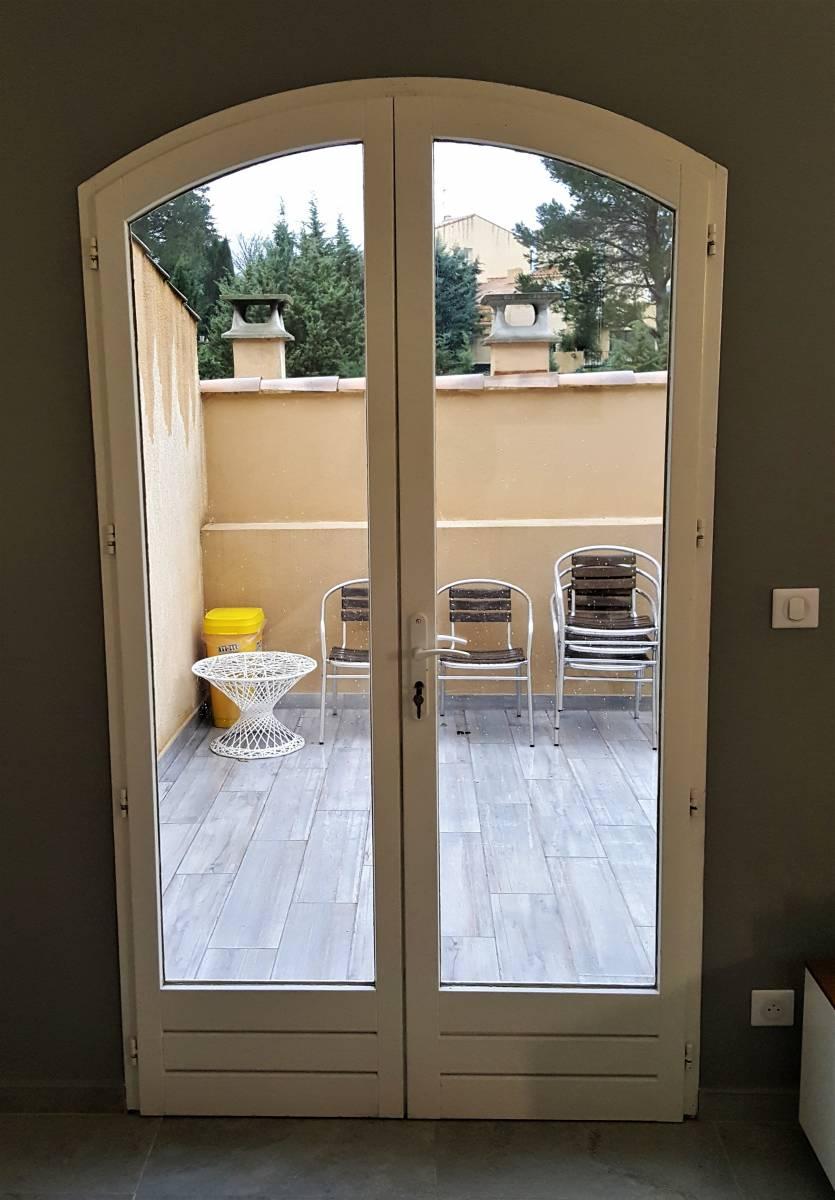 Exemples De Poses De Fenêtres Pvc à 2 Vantaux Et En Rénovation Chez