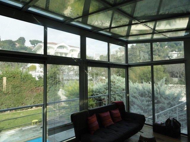 v randa avec store ext rieur de protection en toiture dans les bouches du rhone alberstore. Black Bedroom Furniture Sets. Home Design Ideas